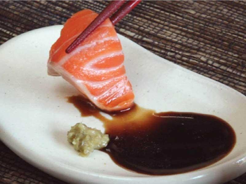 Ngày càng nhiều người nhiễm ký sinh trùng vì ăn cá sống - ảnh 1