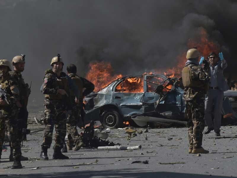 Kabul: Khủng bố chọn giờ kẹt xe để đánh bom đẫm máu - ảnh 1