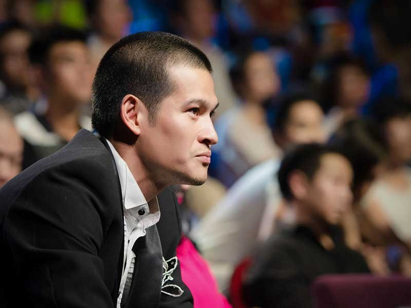 Đạo diễn Việt Tú: Năn nỉ các cụ nông dân đi diễn   - ảnh 1