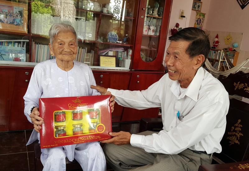 Những cụ già… trẻ trung tuổi 100 ở Bình Chánh - ảnh 1