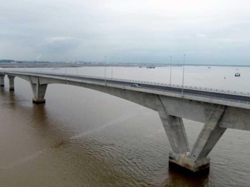 Nhiều sai sót ở cầu vượt biển dài nhất Việt Nam - ảnh 1