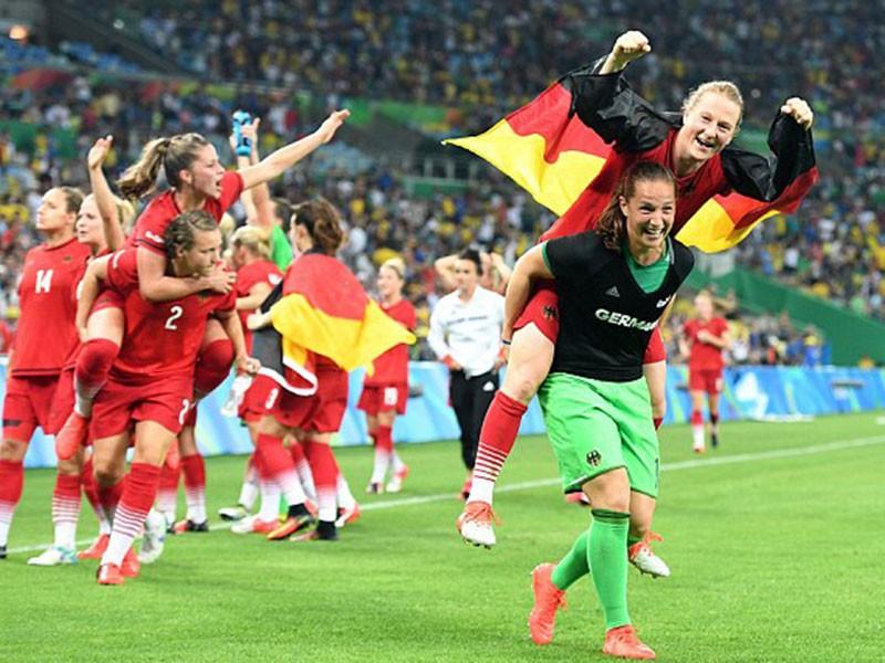 Đức trở thành 'bà kẹ' trên đất Hà Lan - ảnh 1