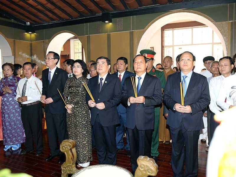 Lãnh đạo Đảng, Nhà nước viếng Chủ tịch Hồ Chí Minh - ảnh 1