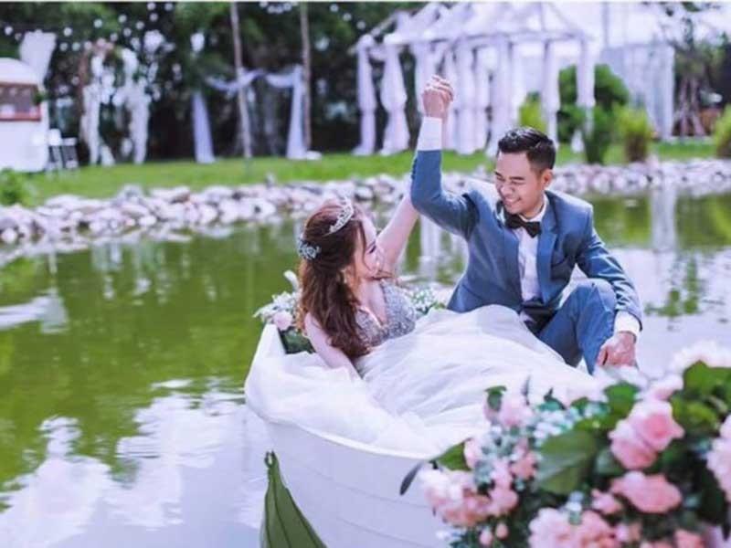 Cuarơ Lê Nguyệt Minh đưa nàng về dinh' - ảnh 1