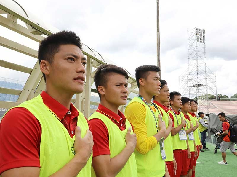 Lâm Ti Phông 'đơn độc' trên đội tuyển - ảnh 1