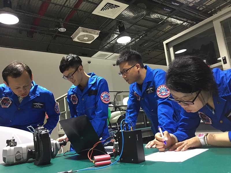 Người Việt học nghề ở Đài Loan - ảnh 1