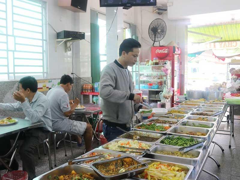 Sài Gòn có thêm bếp ăn ấm áp tình người - ảnh 2