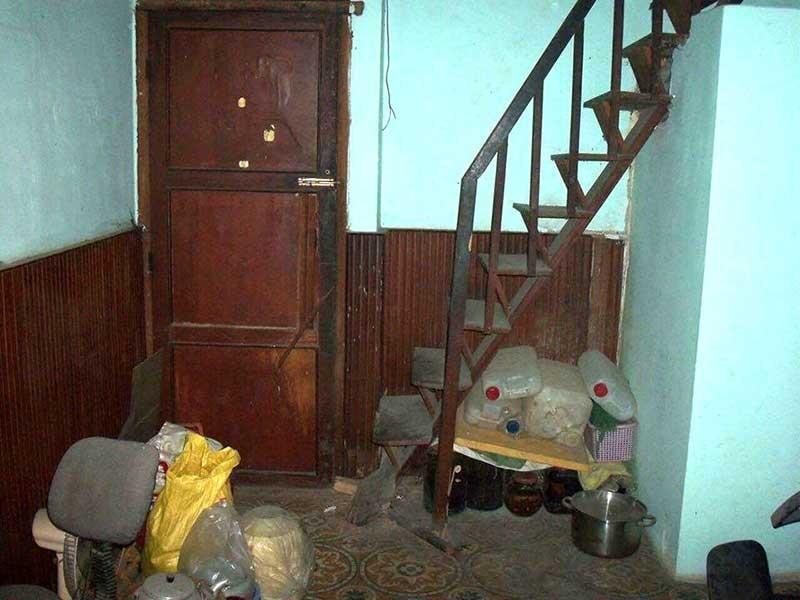 Không thể dọn vào nhà mới vì hàng xóm… cản trở - ảnh 1