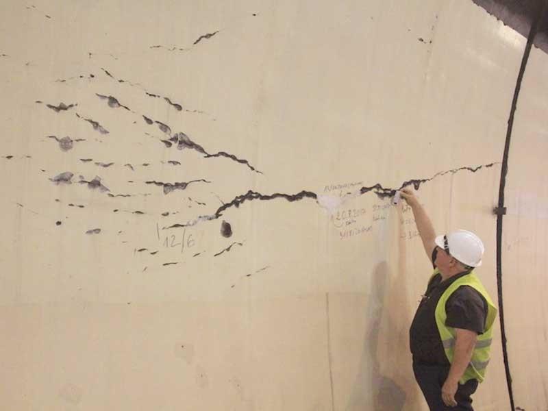 Hầm Hải Vân xuất hiện nhiều vết nứt - ảnh 1
