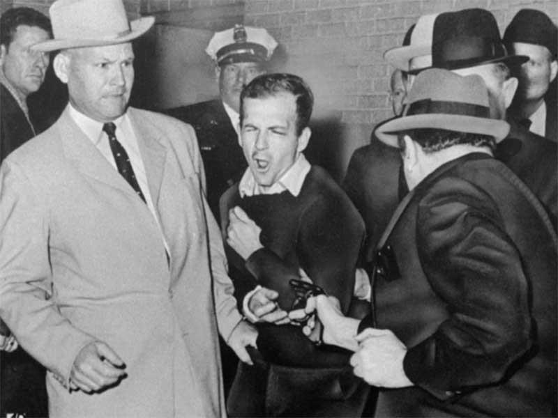 Hé lộ bất ngờ về hung thủ ám sát ông Kennedy - ảnh 2