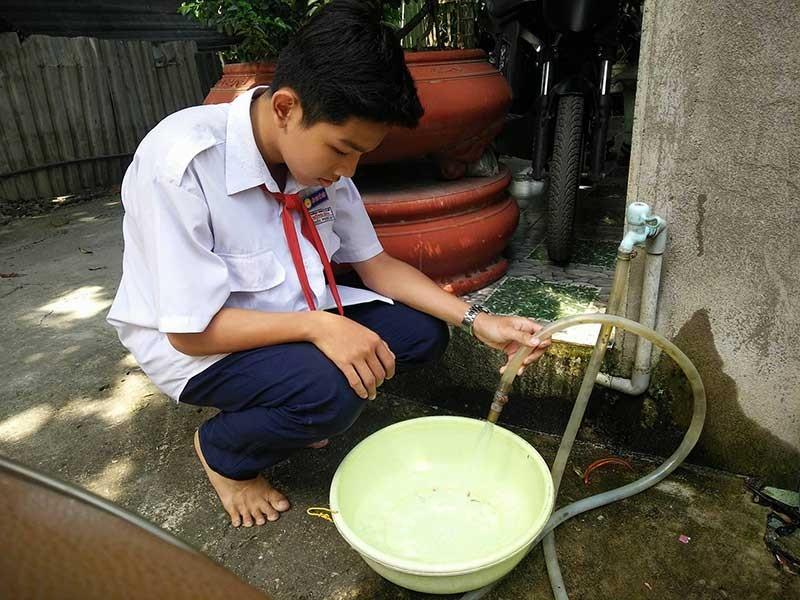 Hẻm không đường ống nước giữa Sài Gòn - ảnh 1