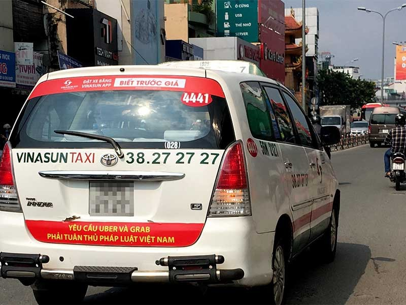Bộ GTVT: Grab, Uber không phải là… taxi - ảnh 1