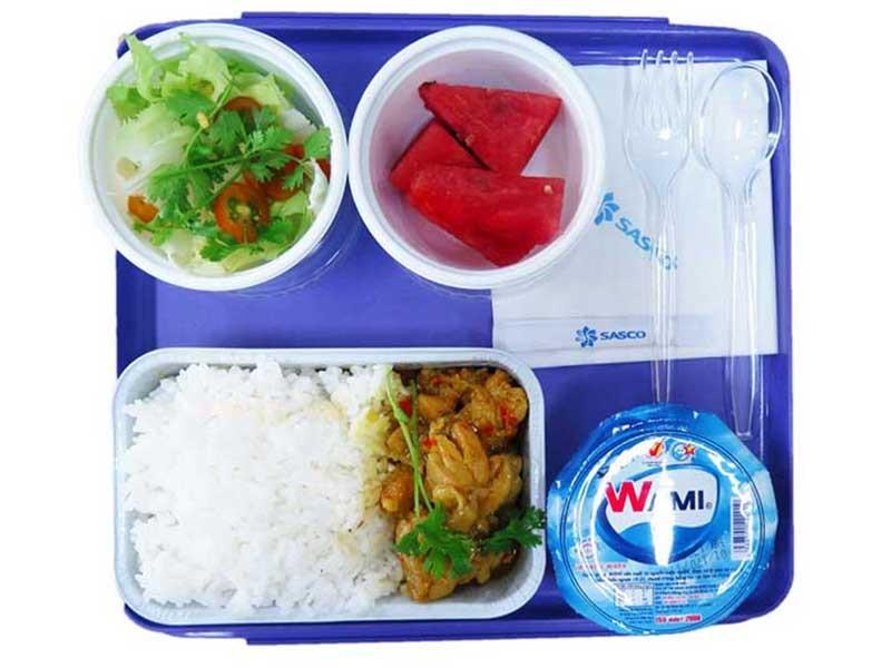 Suất ăn mới trên tàu hỏa có gì đặc biệt? - ảnh 1