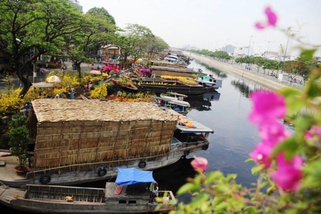 Em ơi, Sài Gòn bến… - ảnh 2