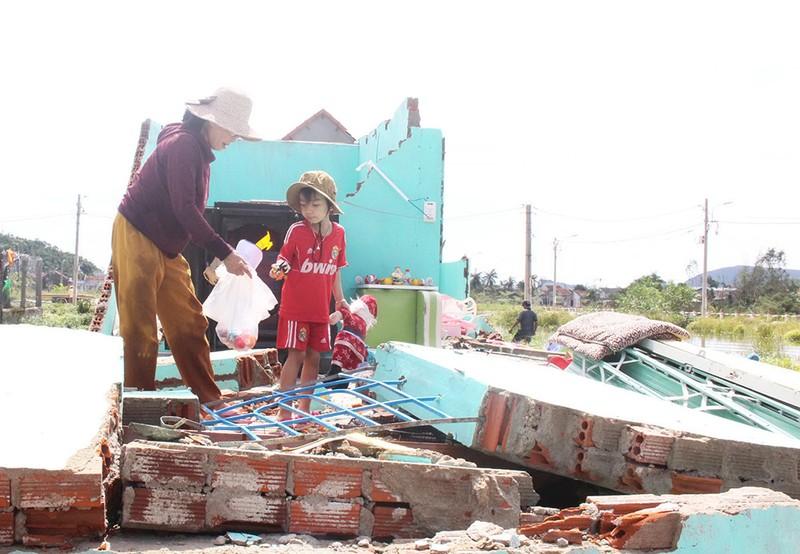Thảng thốt xóm nghèo Tây Bắc sau bão - ảnh 2