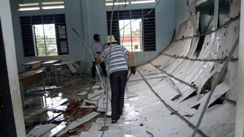 Trường tiểu học thị trấn Khánh Vĩnh, huyện Khánh Vĩnh , tỉnh Khánh Hòa bị hư hại trong cơn bão số 12 vừa qua.