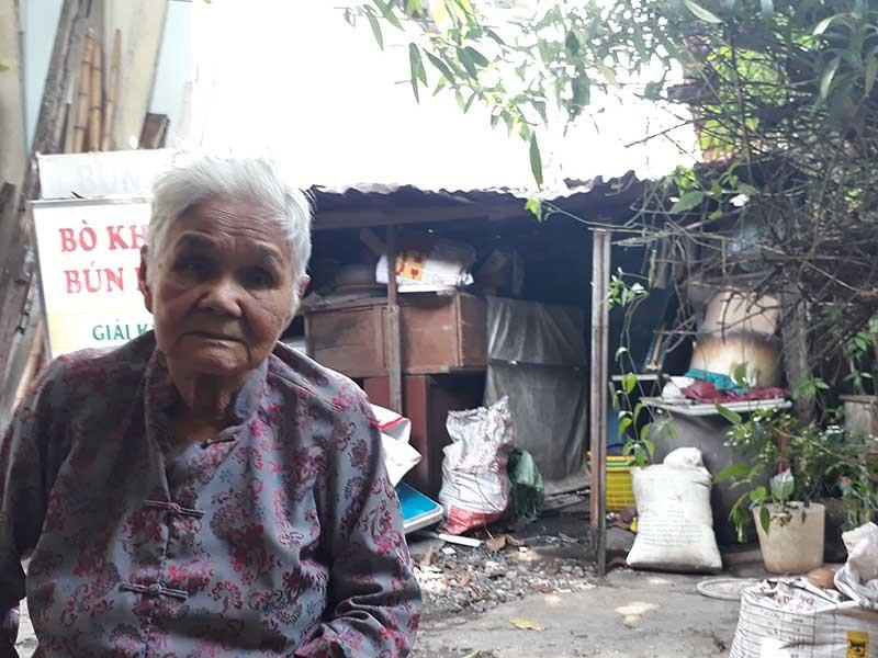 81 tuổi mòn mỏi chờ cho phép sửa nhà - ảnh 1