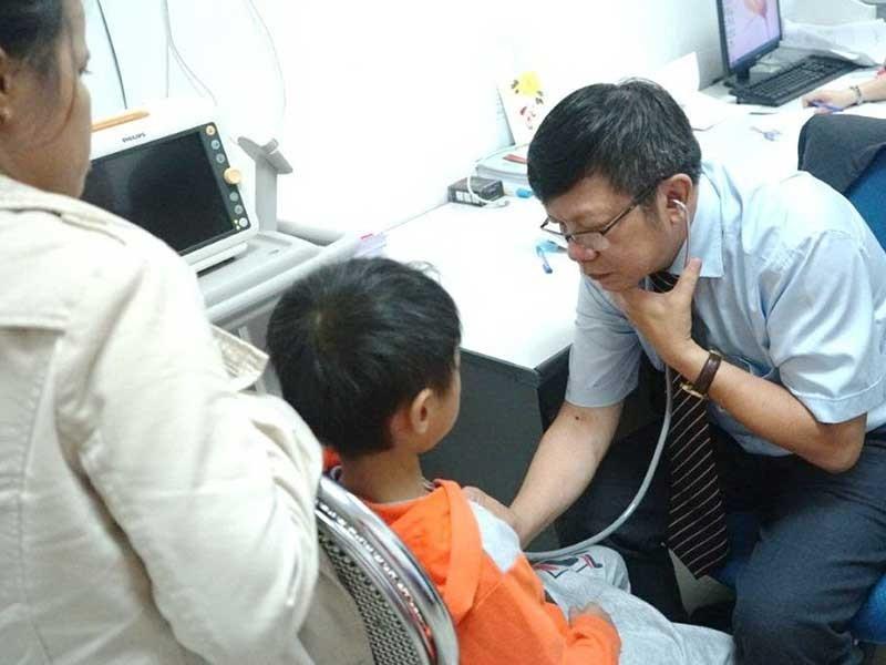 Thêm nhiều trẻ em được mổ tim miễn phí - ảnh 1
