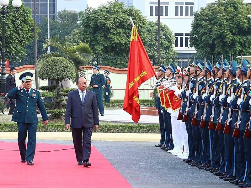 Thủ tướng thăm Quân chủng Phòng không-Không quân - ảnh 1