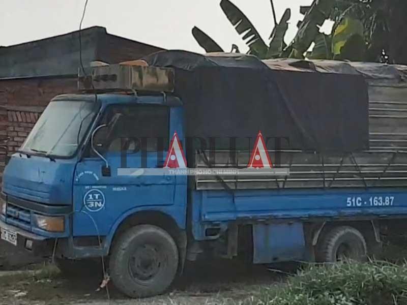 Xe rút hầm cầu giả dạng xe tải - ảnh 4