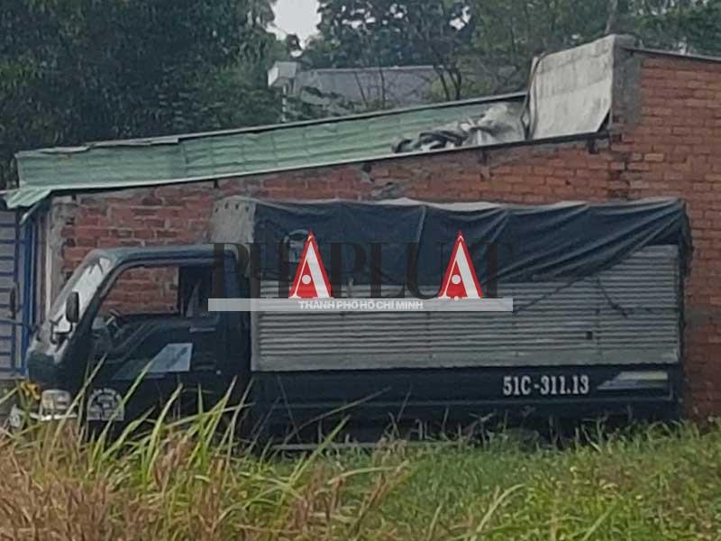 Xe rút hầm cầu giả dạng xe tải - ảnh 5