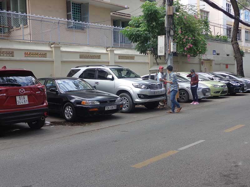Tăng phí đậu xe là cần thiết - ảnh 1