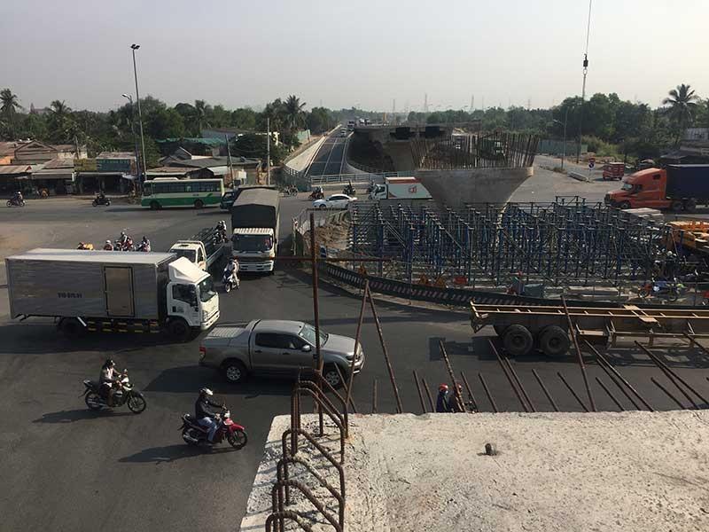 Hàng loạt cầu, đường giảm ùn tắc giao thông - ảnh 1