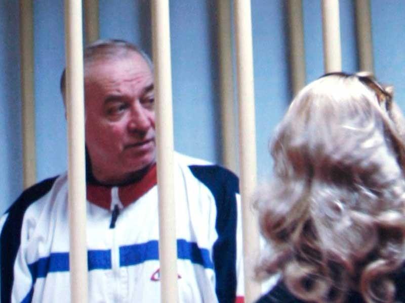 Bí ẩn cựu điệp viên Nga bị đầu độc tại Anh - ảnh 1
