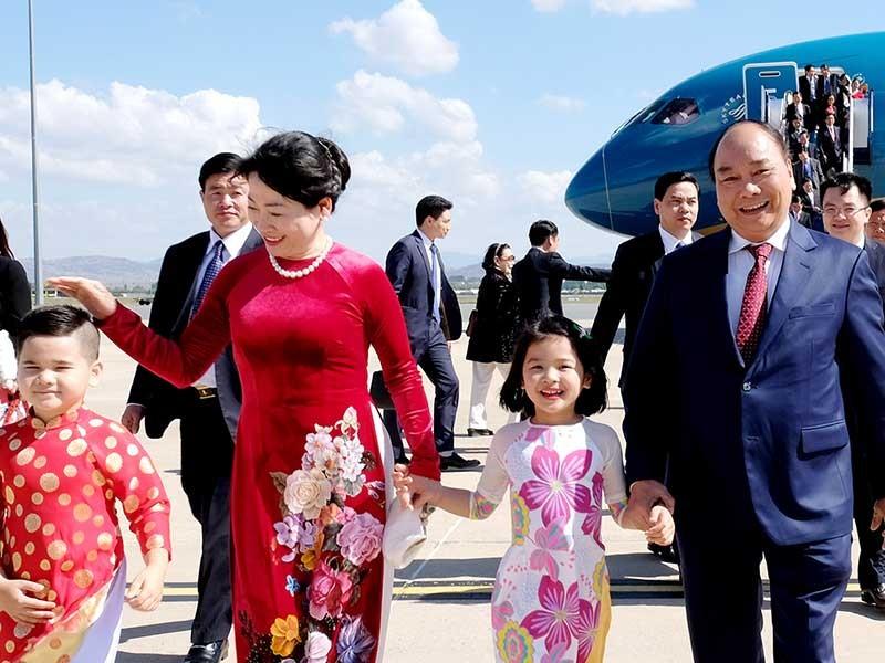 Thủ tướng bắt đầu thăm chính thức Australia - ảnh 1