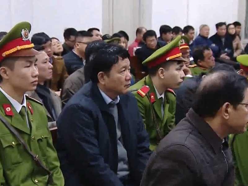 Hôm nay, ông Đinh La Thăng tiếp tục hầu tòa - ảnh 1