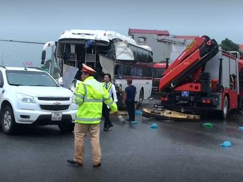 Tranh cãi vụ xe cứu hỏa đi ngược chiều cao tốc - ảnh 1
