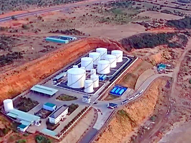Cán bộ bảo kê buôn lậu xăng dầu hơn 2.000 tỉ - ảnh 1