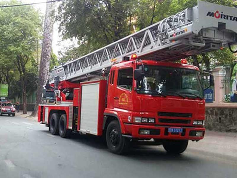 Từ vụ xe cứu hỏa, cần sửa luật về quyền ưu tiên - ảnh 1