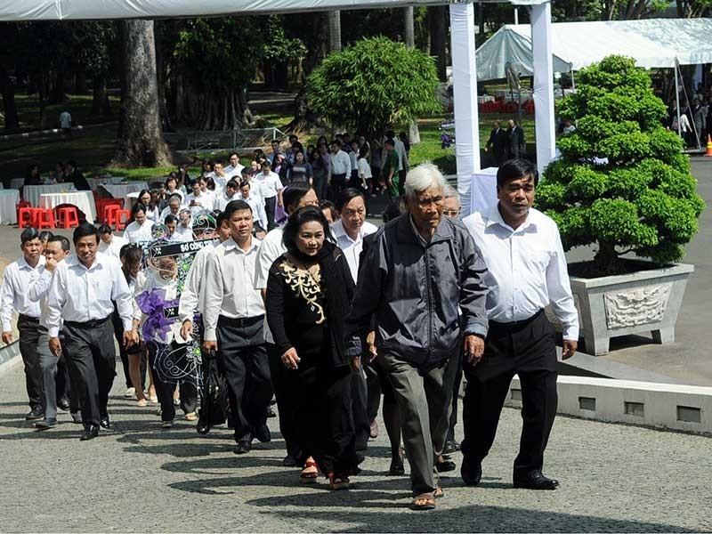 Hàng triệu người thương tiếc cố Thủ tướng Phan Văn Khải - ảnh 1