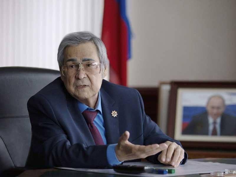 Thống đốc Nga từ chức, cấp phó quỳ gối xin lỗi dân - ảnh 1