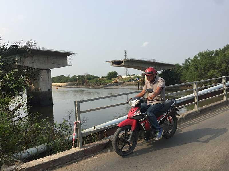 'Đoạn trường' xây cầu, kè Phước Lộc - ảnh 1