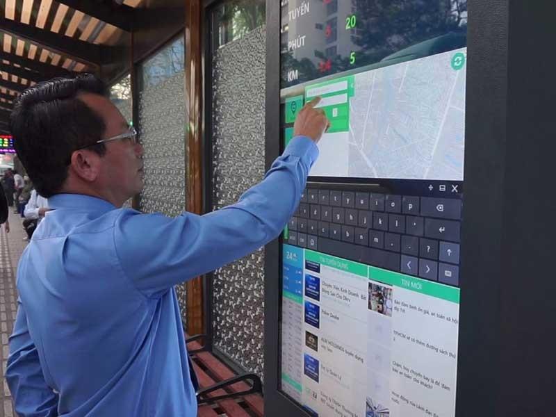Hào hứng với trạm điều hành xe buýt hiện đại - ảnh 1