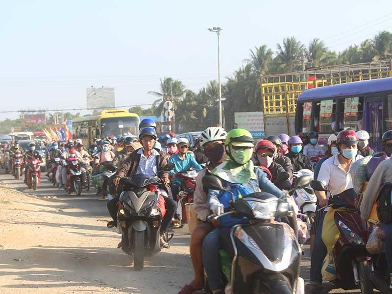 Bến Tre: Lúng túng gỡ 'nút thắt' quốc lộ 60 - ảnh 1