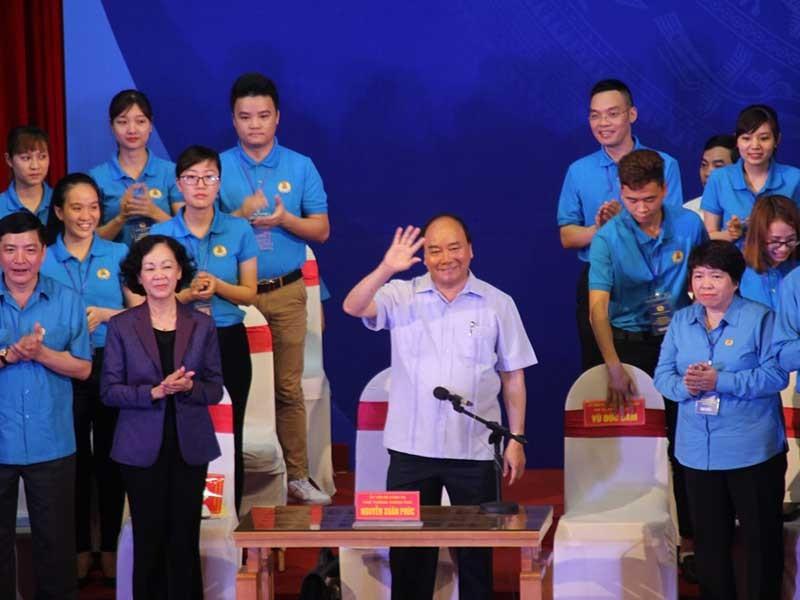 Thủ tướng gỡ khó chuyện ăn ở cho công nhân - ảnh 1