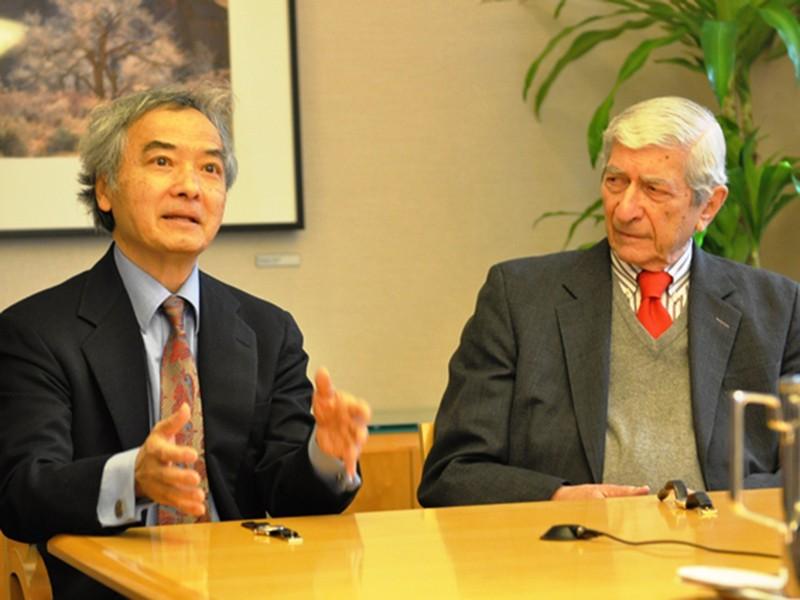 Mỹ ngăn Trung Quốc 'làm tới' ở biển Đông - ảnh 1