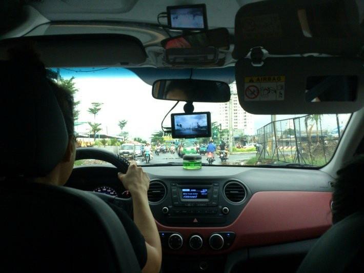 Lắp camera ô tô, tài xế 'chịu phép'! - ảnh 3