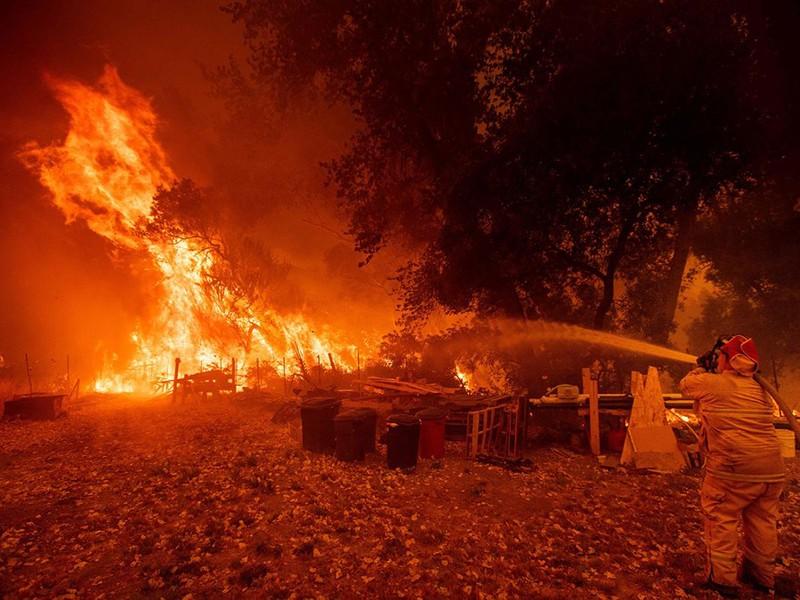 Bão lửa tàn phá miền Tây nước Mỹ - ảnh 1