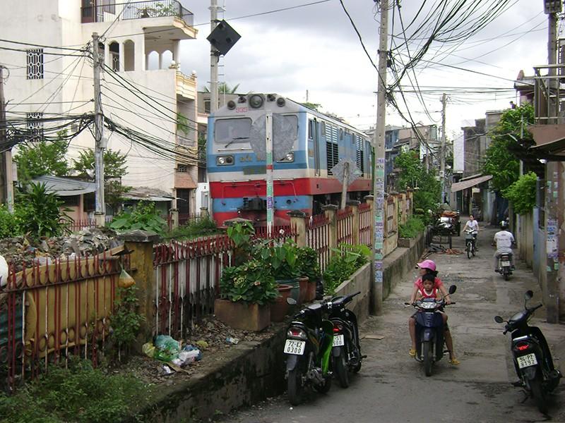 Đường sắt trên cao Bình Triệu-Hòa Hưng: Nhiều điều chưa rõ! - ảnh 1