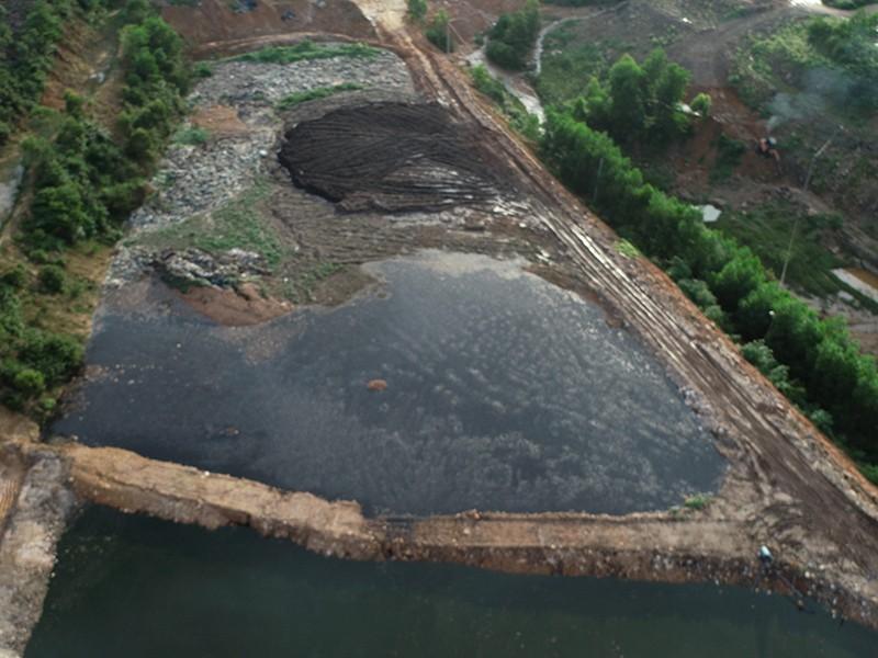 Dân Quảng Ninh than bãi rác gây ô nhiễm - ảnh 1