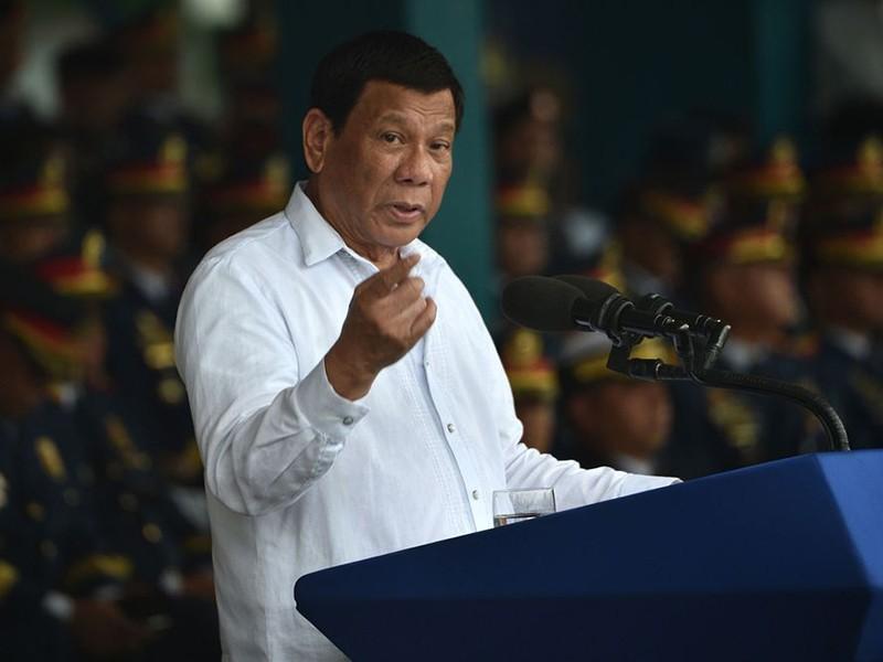 Ông Duterte thúc giục Trung Quốc 'kiềm chế' ở biển Đông - ảnh 1