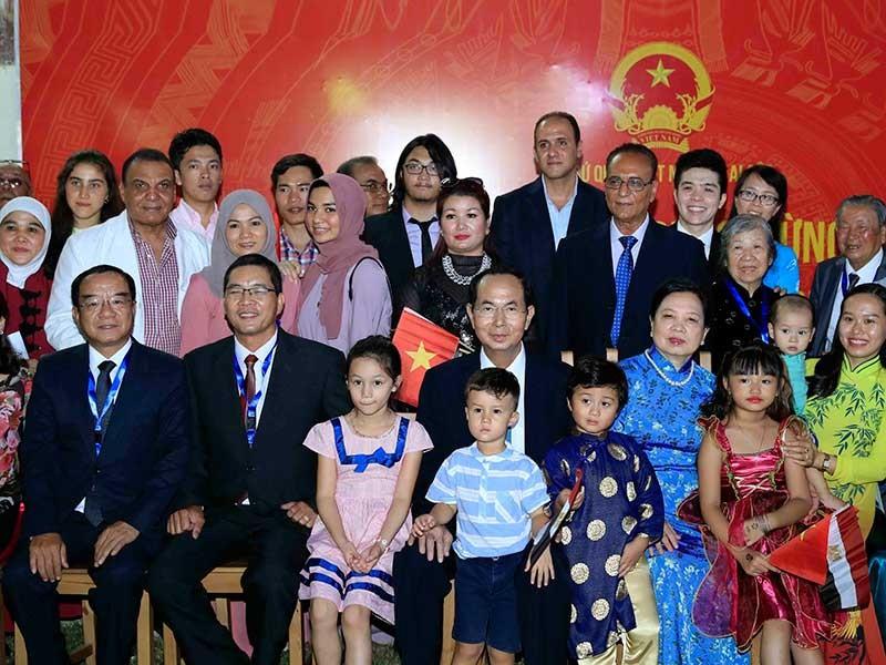 Chủ tịch nước Trần Đại Quang thăm Đại sứ quán VN tại Ai Cập - ảnh 1