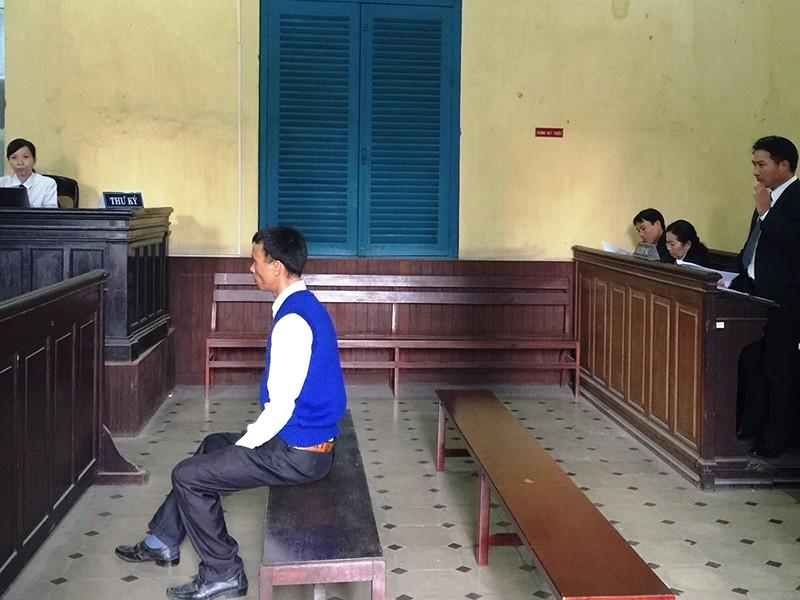 Luật sư nói bị tòa làm khó - ảnh 1