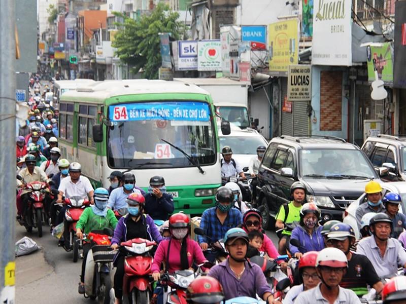 Xe buýt ngưng hoạt động, dân luyến tiếc! - ảnh 1