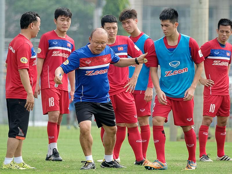 Đông Nam Á rộn ràng chuẩn bị AFF Cup - ảnh 1