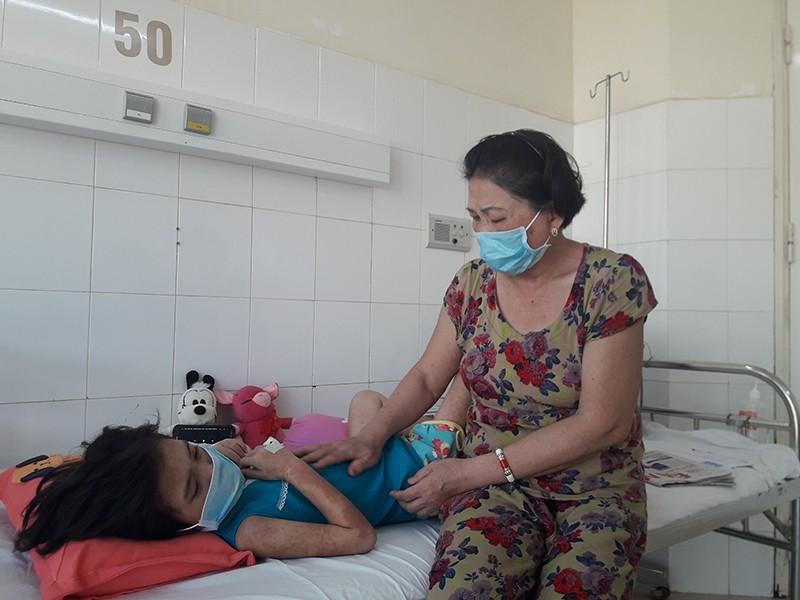 Đà Nẵng kêu gọi giúp đỡ 1 bệnh nhi đặc biệt - ảnh 1